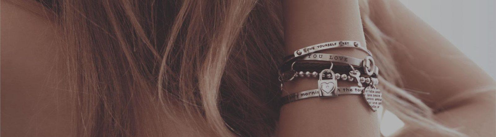 Immagine bracciali kidult love